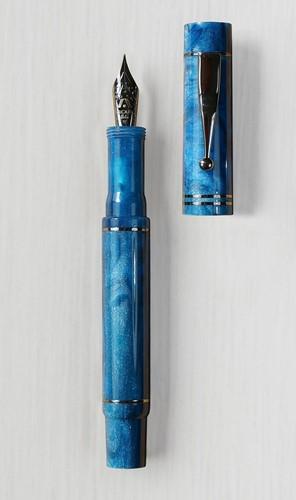 Gioia Alleria Grotta Azzurra fountain pen