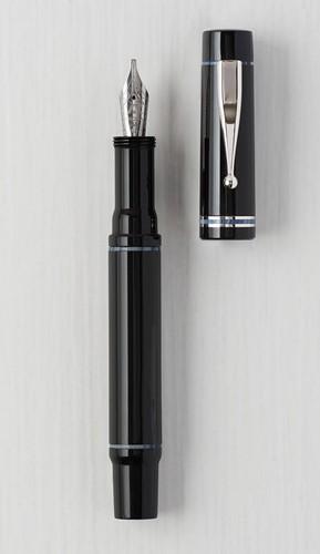 Gioia Alleria Nuvola fountain pen