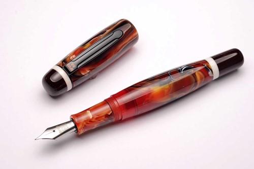 Opus 88 Bela Red fountain pen