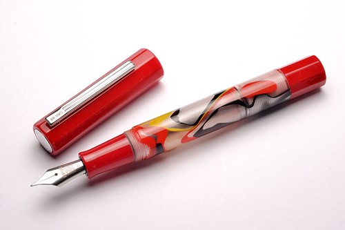 Opus 88 Flow red fountain pen