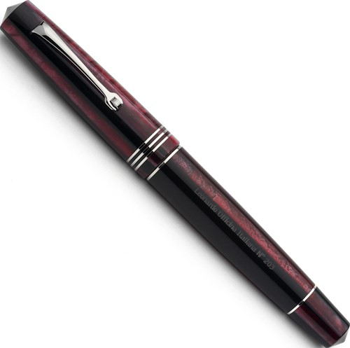 Leonardo Momento Zero Plum and rhodiumd trim fountain pen