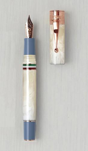 Gioia Partenope Avorio fountain pen