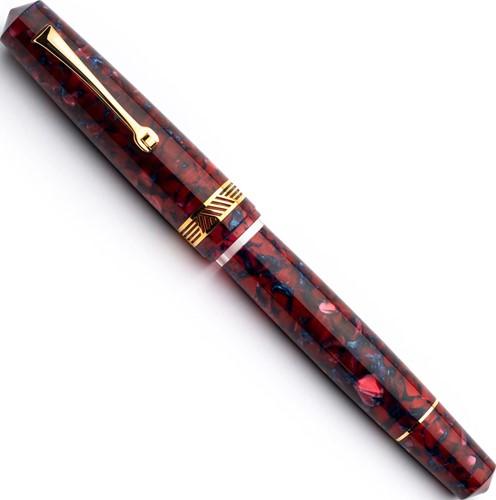 Leonardo Momento Magico Tramonto and gold trim fountain pen